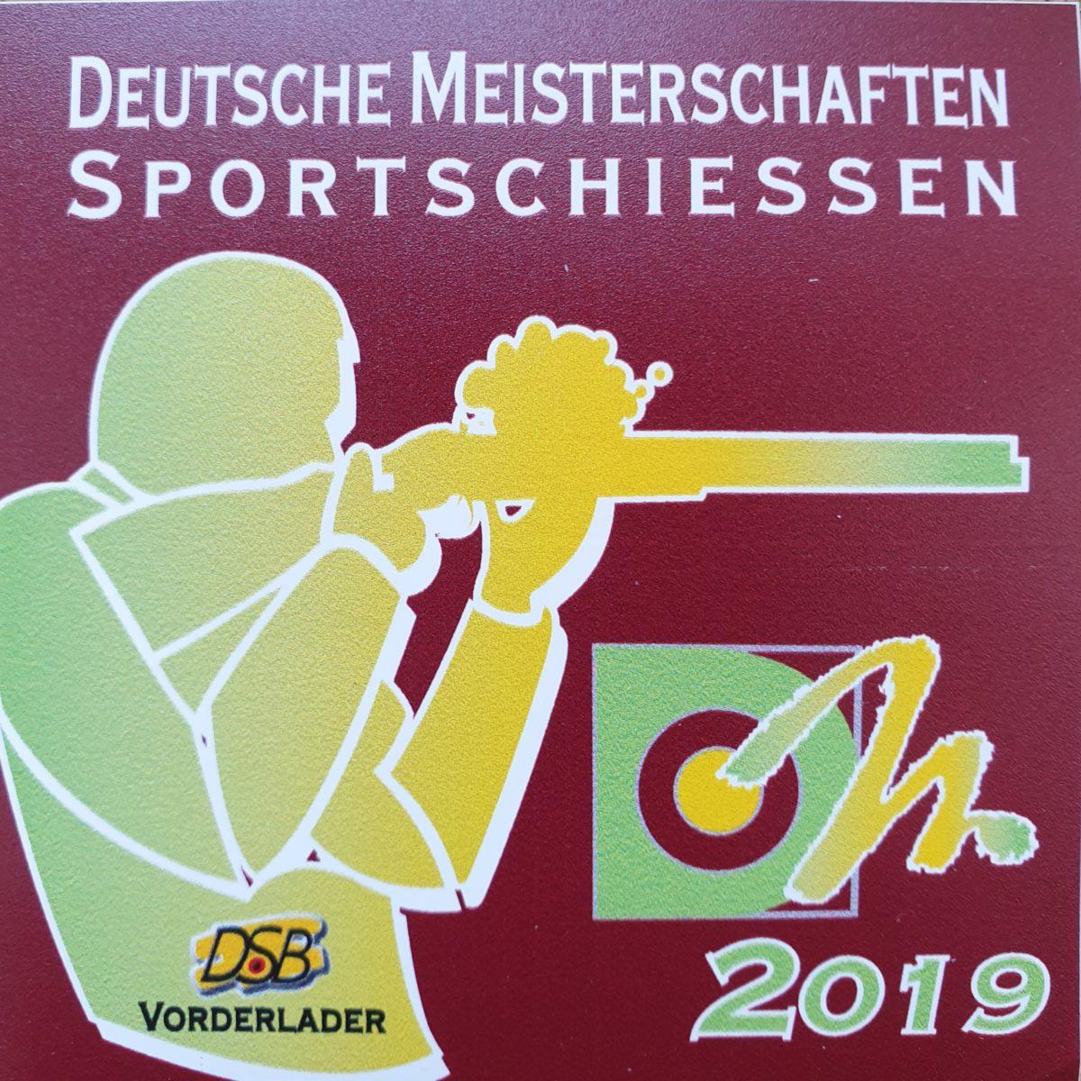 Zwei Teilnehmer des SK-Stelle in drei Disziplinen bei den Deutschen Meisterschaften 2019 Vorderlader (VL)